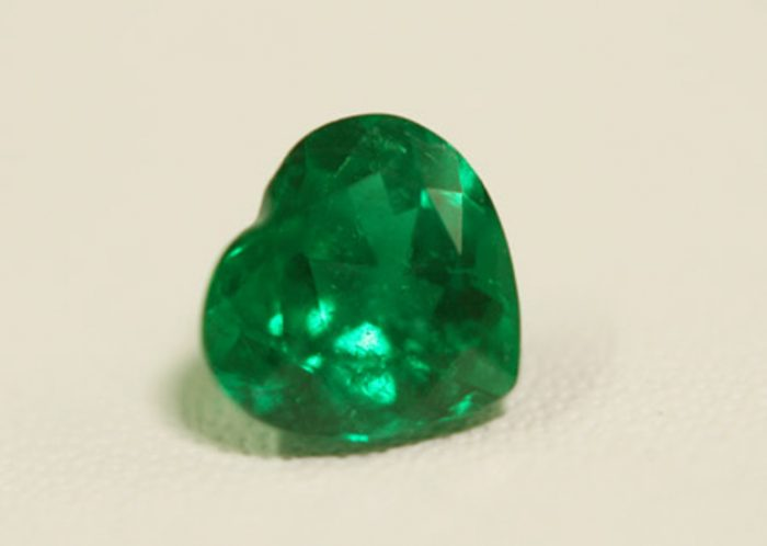 1.33 Ct, Heart Fine Natural Colombian Emerald Gem