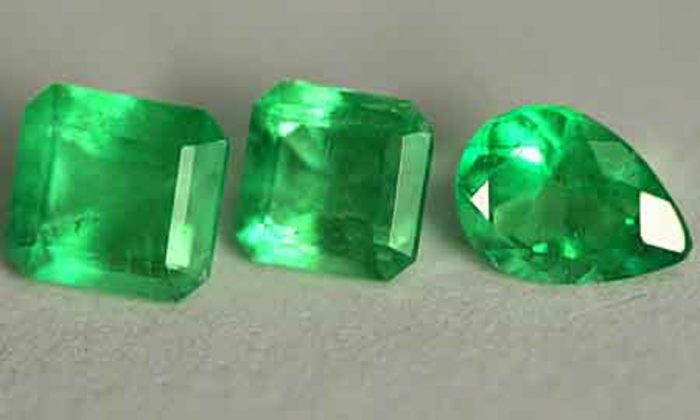 2.71 Ct, Mix Fine Natural Colombian Emerald Lot