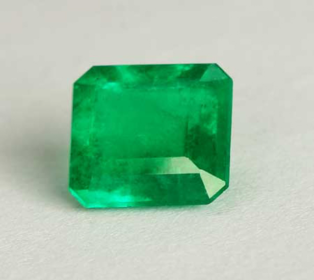 .84 Ct, Emerald Fine Natural Colombian Emerald Gem