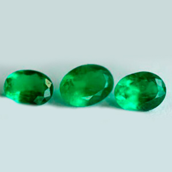 1.03 Ct, Oval Fine Natural Colombian Emerald Lot