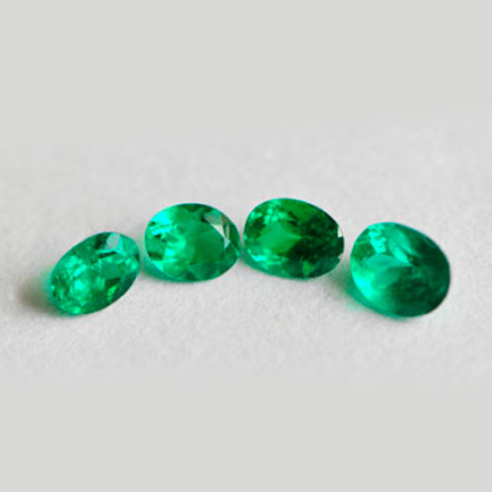 1.52 Ct, Oval Fine Natural Colombian Emerald Lot
