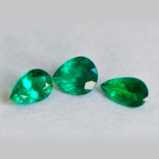 .57 Ct, Pear Fine Natural Colombian Emerald Lot