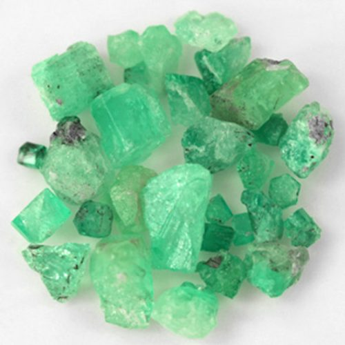 136.46 Ct, Rough Fine Natural Colombian Emerald Lot Minerals