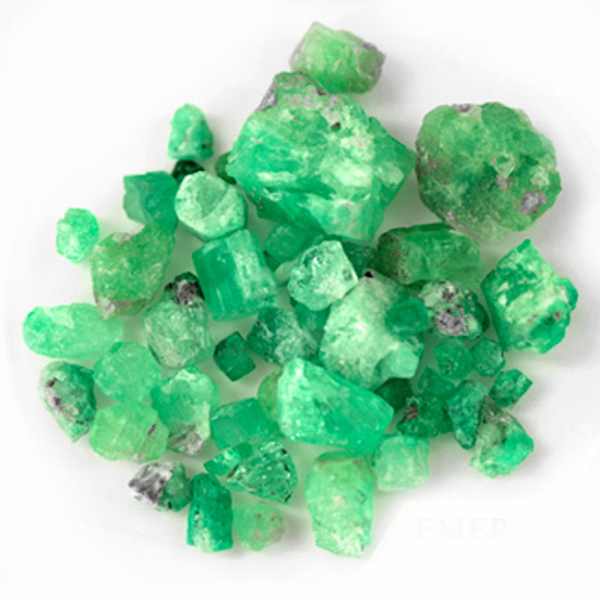 263.08 Ct, Rough Fine Natural Colombian Emerald Lot Minerals