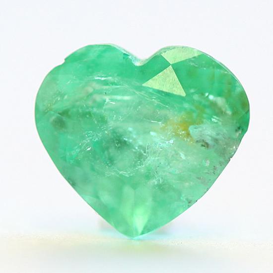 1.9 Ct, Heart Fine Natural Colombian Emerald Gem