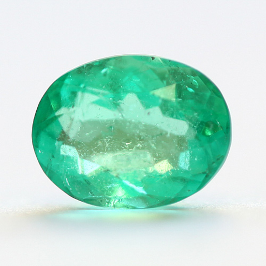 1.35 Ct, Oval Fine Natural Colombian Emerald Gem