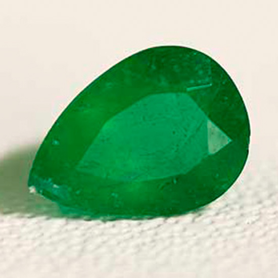 1.24 Ct, Oval Fine Natural Colombian Emerald Gem